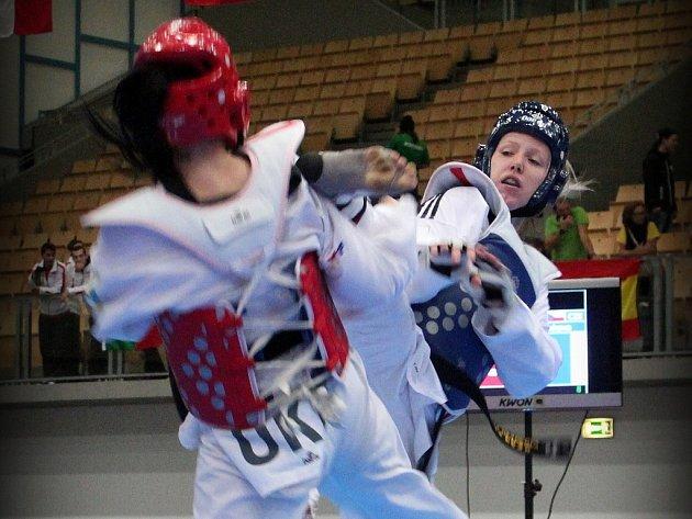 Po postupu do semifinále evropského šampionátu sahala Iveta Jiránková. Nakonec ale s Polkou Lisovou smolně prohrála.