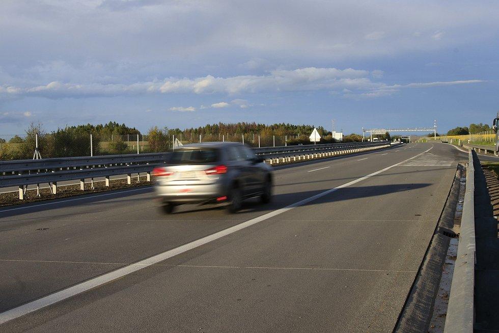 Dálnice D1 u Mikulášova na Havlíčkobrodsku.