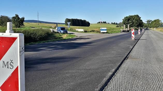 Oprava přibližně 5660 metrů komunikace I/19 Kámen a hranicí Kraje Vysočina a Jihočeského kraje se blíží ke svému konci.