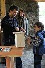 Návštěvníci stavěli budky pro sýkorky.