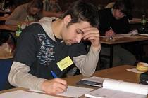 Úvodní test pelhřimovské celostátní olympiády mladých fyziků.