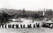 Odkaz pacovské motocyklové historie prostřednictvím jiného odvětví, které do Pacova neodmyslitelně patří. Motokrosové závodiště Propad na okraji Pacova v 70. letech 20. století.