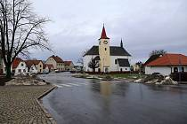 Kostel svatého Václava v Lukavci.