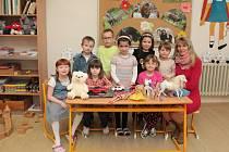 Na fotografii jsou žáci ze ZŠ a MŠ Lukavec, 1. třída paní učitelky Lenky Povondrové.