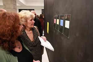 Vernisáž výstavy Kuna nese nanuk v humpolecké zóně pro umění 8smička se uskutečnila v pátek 8. února.