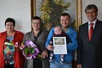 Malý Mikulášek se narodil 3. ledna a vážil úctyhodných 4350 gramů.