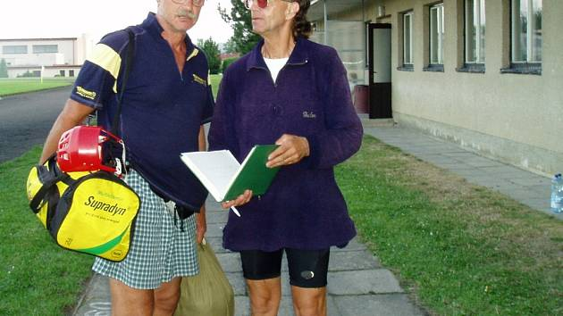 Pavel a Pavel. Pavlovi Pochobradskému se v Kamenici nad Lipou poštěstilo získat podpis jmenovce, herce Pavla Nového.