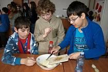 Děti se naučily připravovat zdravou svačinku.
