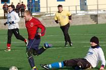 Fotbalisté Speřic dlouho drželi se Žirovnicí krok, ale závěr přípravného zápasu se jim nepovedl. V poslední čtvrthodině skóre narostlo na hrozivých  na 5:1.