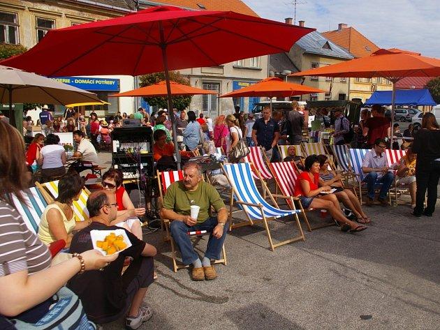 Lehátek bude na náměstí v Počátkách hned několik. Hostům budou přibližovat atmosféru pláže, moře a slunce.