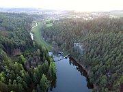 Vřesník se nachází v malebné krajině nad řekou Želivkou.
