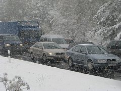 Dopravní situace na silnici I/34 z Pelhřimova do Humpolce.