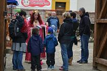 Skřítek Fábula otevřel v sobotu svou pohádkovou říši v Kamenici nad Lipou prvním letošním návštěvníkům.