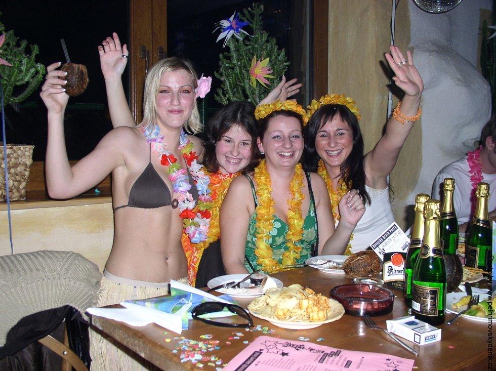 Silvestrovská noc v humpoleckém baru Karamba.