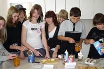 Návštěva žáků z německého Kirchhellenu v pelhřimovské ZŠ Komenského