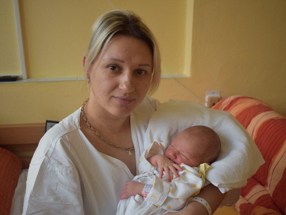 Emma Pavlíková, Nová Cerekev, 4. 11. 2019, 3 520 g