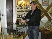 Zapalovače sbírá Miloslav Šnek celý život, v knize rekordů se ocitne právem.