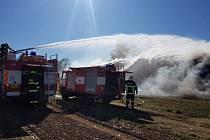 Požár stohu ve Zhořci na Pelhřimovsku.