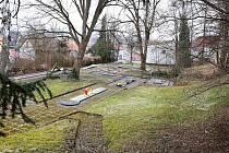 Děkanskou zahradu v Pelhřimově čekají změny. V její spodní části vznikne místo pro klid a relaxaci.