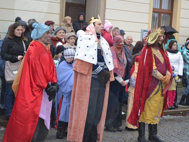 Stejně jako tomu bylo loni, i letos se na humpoleckém Horním náměstí odehraje živý betlém, po němž bude následovat Tříkrálová sbírka.