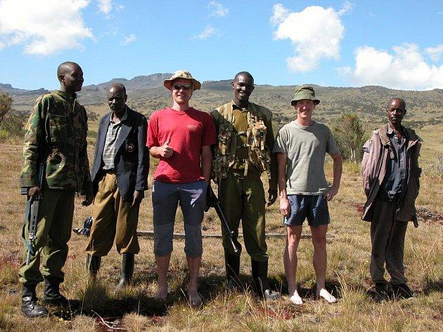 Cestovatel Pavel Kranda si v jedné z rezervací na chvíli vyzkoušel úlohu strážce.
