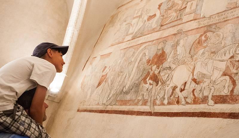 Sál s unikátní freskovou výzdobou datovanou před rokem 1300 mohou obdivovat návštěvníci velkomeziříčského zámku.