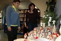V pelhřiovské knihovně už mají Vánoce.