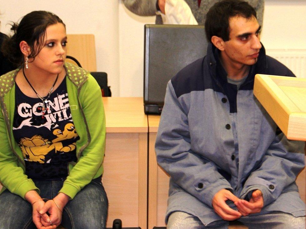 Ludmila Illková a Milan Kohout usedli na lavici obžalovaných vedle sebe. Kohout nesmí do Jihlavy pět let. Illková dva roky.