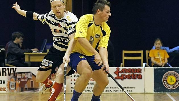 Pelhřimovští florbalisté přivezli ze dvou zápasů na hřištích soupeřů pět bodů a jsou už blízko k vítězství v jedné ze skupin II. ligy.