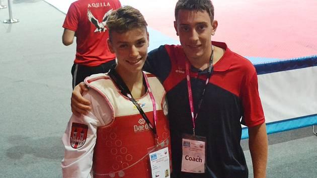 Jiří Šťastný (vlevo).