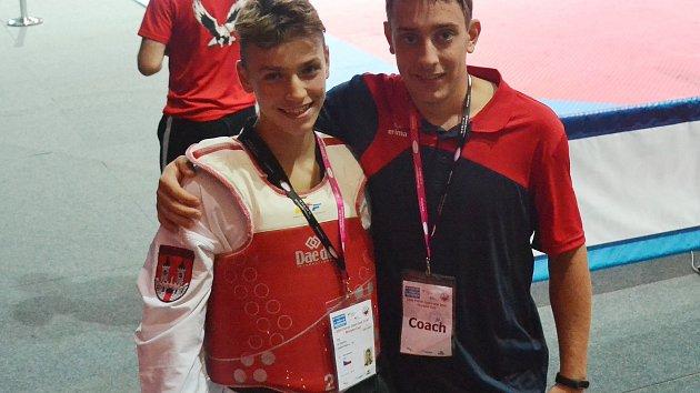 Jiří Šťastný (vlevo) se na turnaji v Srbsku dostal do semifinále.