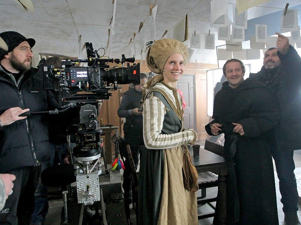 Telčský zámek obsadili filmaři.