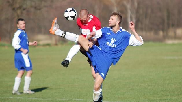 Fotbalisté Ústrašína měli v zápase s rezervou Černovic zřetelnou převahu. Tu přetavili ve vítězství 5:0.