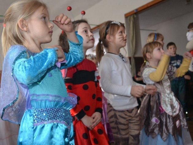 Na nedělním dětském karnevalu v Jiřicích bylo veselo.