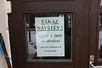 Napřklad domov důchodců Proseč u Pošné na Pelhřimovsku vyhlásil letos zákaz návštěv od 29. ledna.