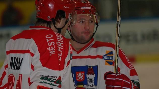 Tomáš Plachý ve středu ve Vrchlabí zářil. Centr prvního útoku vstřelil dva góly svého týmu.
