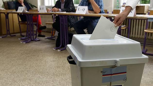 Hlasy voličů jsou sečteny.