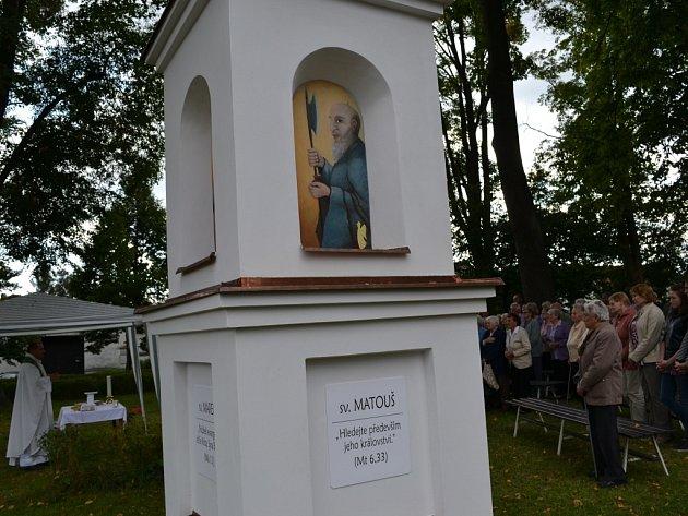 V Jiřicích v rámci desátého setkání rodáků světili novou kapličku.