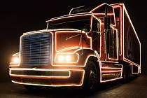 Přijede vánoční kamion.