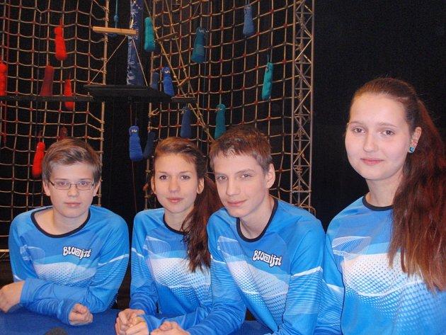 V Bludišti své pohybové dovednosti i znalosti  prověřili (zleva) Radek Slavík, Tereza Vopatová, Pavel Šimůnek a Adéla Matějková.