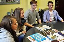 V pelhřimovském kině Vesmír diskutovali žáci nad všedními otázkami ve škole a snažili se najít řešení.