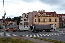 Křižovatka u Albertu v Pacově.