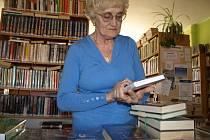 Božena Marková je častou a také nejvěrnější čtenářkou kamenické knihovny. Navštěvuje ji, s několikaletou přestávkou, od roku 1947.