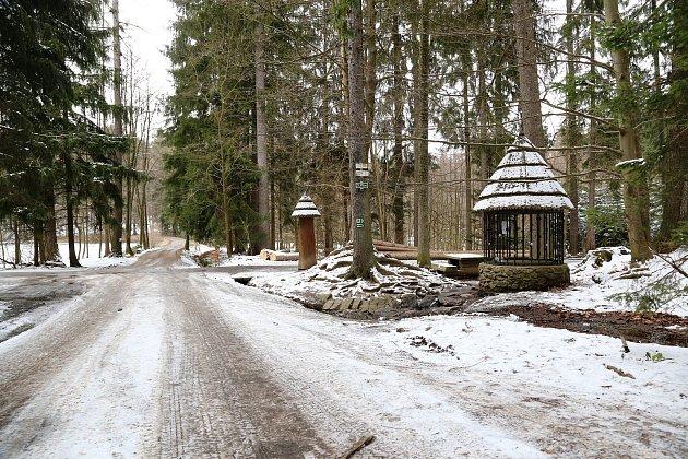 Stříbrná studánka uKřemešníku leží vkatastru obce Nový Rychnov.