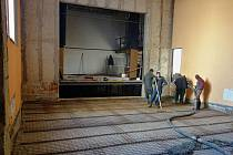 Rekonstrukce Malé scény v kulturním domě Máj začala v březnu.