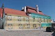 Zahalený Šrejnarovský dům.