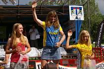 Na snímku jsou vítězky ženského cyklistického závodu MTB na 25 kilometrů: 1. Ivana Popoková, 2. Michaela Matoušková a 3. domácí kamenická závodnic Tereza Chlupová.