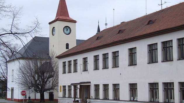 Budova bývalé školy v Lukavci