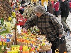 Na trzích bylo k mání i velikonoční zboží.