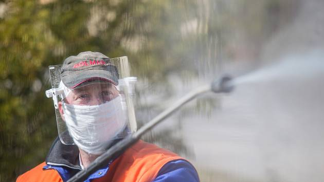 Dezinfekce v ulicích, ilustrační foto